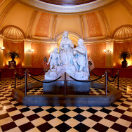 Photo by Ed Glavis - The staue of Queen Isabella and Christopher Columbus in the Capitol rotunda.